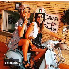 Regram @freshmarket_ ! Estamos in ❤️ por essa foto linda com nossos #mãecoruja e #cabradapeste estrelando as idealizadoras do @freshmarket_, super evento que está rolando na praia brava de Itajaí! A @coleteria está presente lá, não esquece  #semprecoleteria♡ #coleteria  www.coleteria.com.br