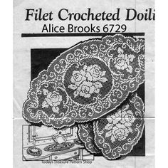 Filet Crochet doilies pattern, Alice Brooks for large and small doilies in two sizes each. The filet crocheted doilies are in a rose spray motif, oval with scalloped edges. Filet Crochet Charts, Crochet Flower Patterns, Crochet Designs, Crochet Ideas, Crochet Projects, Crochet Puff Flower, Crochet Leaves, Crochet Flowers, Crochet Tablecloth