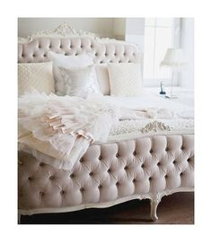 {décor inspiration | tufted velvet & layers of tulle} by {this is glamorous}, via Flickr