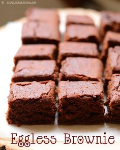 Eggless brownie recipe - with simple ingredients - no yogurt, no condensed milk. Eggless Desserts, Eggless Recipes, Eggless Baking, Easy Desserts, Baking Recipes, Easy Eggless Brownie Recipe, Desserts Without Eggs, Egg Free Desserts, Recipes