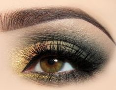 Gold and sage green/gray combine to make this surprisingly pretty eye look.