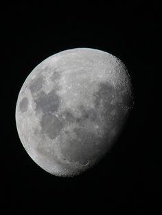 3/4 moon by David Spencer, via 500px