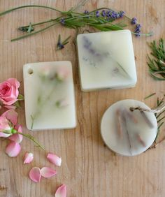 These DIY Scented Wax Bars would be perfect to make as gifts for family & friends this holiday season! They are easy to make, all natural, & can be made in a variety of scents!