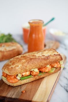 grill sandwich with shrimps and hot sause