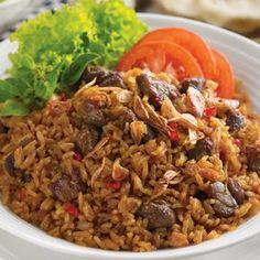 Sebenarnya ada banyak variasi menu nasi goreng salah satunya adalah  nasi goreng jamur tiram . Selain karena rasanya yang enak, ca...