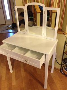 Minneapolis: White Vanity $70 - http://furnishlyst.com/listings/168241