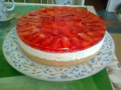Cheesecake with strawberries without baking. Recipes with photos of delicious cakes. Strawberry Cheesecake, No Bake Cheesecake, Easy Baking Recipes, My Recipes, Good Food, Yummy Food, Baking Ingredients, No Bake Desserts, Yummy Cakes