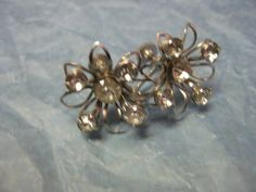 Vintage 1940s Rhinestone Floral Screw-back earrings