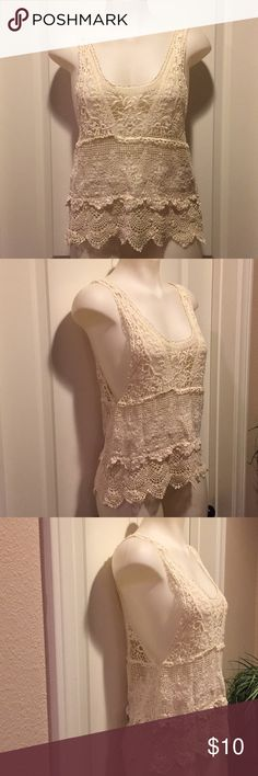Boho Chic Tank🌟 Boho chic lace tank in excellent condition, shows no signs of wear, thanks for looking 😊 Estam Tops Tank Tops