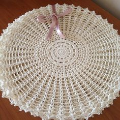 1 million+ Stunning Free Images to Use Anywhere Free Crochet Doily Patterns, Crochet Placemats, Crochet Motif, Crochet Kitchen, Crochet Home, Love Crochet, Lace Doilies, Crochet Doilies, Crochet Flowers