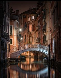Country Tweed — malemalefica: Good night from Venice
