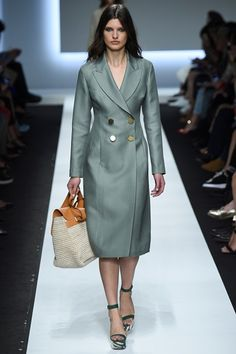 Ermanno Scervino - Spring Summer 2016 Ready-To-Wear - Shows - Vogue.it
