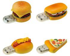 El geek tiene que ser distinto, romper con la linealidad en la tecnología. Para ello tiene que recurrir a gadgets y accesorios como esta series de pendrives como formas de comidas chatarra que todos amamos.