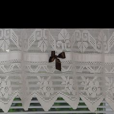 Great grandmas crochet up cycled and made into valance [MGR]
