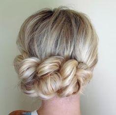 Cabelos, cortes e penteados: Penteado preso facil de fazer