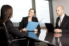 Salah satu modal awal untuk dipanggil wawancara kerja adalah surat lamaran kerja yang baik dan benar. Berikut contoh surat lamaran kerja yang benar.