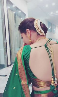 Best off shoulder blouse for saree Head over to the site to learn more about - Blouse Back Neck Designs, Silk Saree Blouse Designs, Blouse Designs Wedding, Blouse Patterns, Saree Backless, Bridal Hair Buns, Nauvari Saree, Bun Hairstyles, Photos