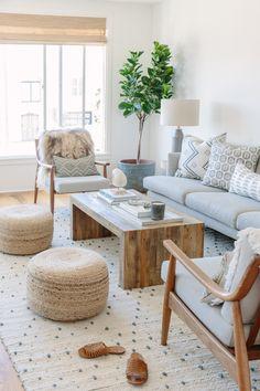 Scandi Living Room, Boho Chic Living Room, Cozy Living Rooms, Living Room Interior, New Living Room, Living Room Tables, Scandinavian Interior Living Room, Scandi Home, Scandinavian Style