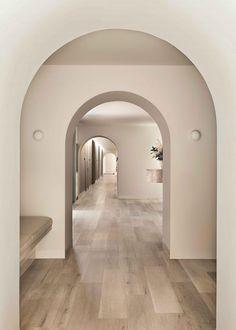 Holism Retreat Destination Spa in Melbourne by Studio Tate Australian Interior Design, Interior Design Awards, Spa Interior, Arch Interior, Sofitel Hotel, Casa Cook, Portal 2, Curved Walls, Hotel Pool