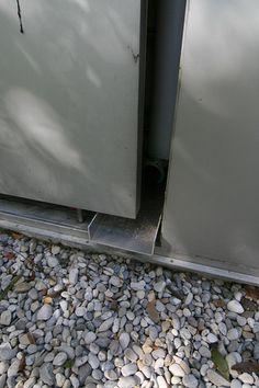 hidden gutter detail / Sammlung Goetz Museum.Munich, Germany. 1992. Herzog & de Meuron