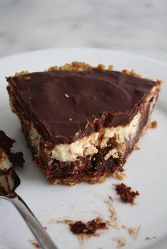 CANDY BAR PIE: pretzels, Snickers, cheesecake, brownie, chocolate, PIE.