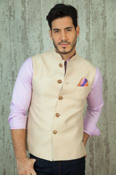 Pure linen jacket highlighted with contrast buttons from #Benzer #Benzerworld #menswear #Indowesternwear