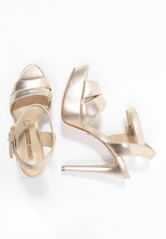 Buffalo Platform sandals - metalic gold for £90.00 (29/12/15) with free delivery at Zalando