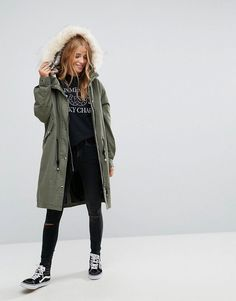 Discover women's parka coats at ASOS. Stay cosy in winter and dry on rainy days with our women's parka coats. Order now at ASOS. Latest Outfits, Fashion Outfits, Parka Outfit, Asos, Winter Stil, Look Cool, Online Shopping Clothes, Autumn Winter Fashion, Vestidos