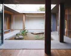 Byoungsoo Cho - Concrete Box house, Sugok-ri 2004. Photos (C) Wooseop Hwang.