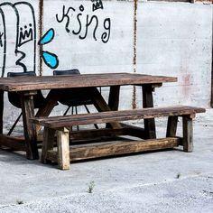 Eksklusiv bænk i rustik design  #bænk #indretning #interiør #interiørdesign #interiørbutikkendk #rustikkemøbler #boligindretning #rustikbænk #træbænk #genbrug #genbrugtræ #genbrugbænk