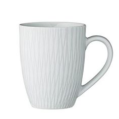 Invite your friends for tea in the stylish Wilma mug from Bloomingville. The mug is made of high quality stoneware and has a timeless design with a discrete pattern. Combine the mug with other matching pieces from the Wilma collection for a nice look!