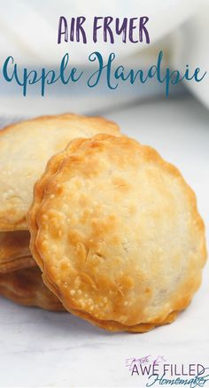 These Air Fryer Apple Hand Pies are a great idea for breakfast, brunch, snack, or dessert! Air Fryer Apple Hand Pies - *P. This content uses affiliate links. Read our disclosure policy for more info. Air Fryer Oven Recipes, Air Frier Recipes, Air Fryer Dinner Recipes, Air Fryer Cake Recipes, Power Air Fryer Recipes, Air Fryer Recipes Potatoes, Nuwave Oven Recipes, Air Fryer Recipes Vegetables, Air Fryer Recipes Breakfast