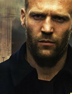 Jason Statham this guy could be and would be the nexted james bond , whoo, handsome and very sexy too, Guy Ritchie, Michelle Rodriguez, Dwayne Johnson, Jason Statham Body, Pretty People, Beautiful People, Hommes Sexy, Vin Diesel, Christian Bale