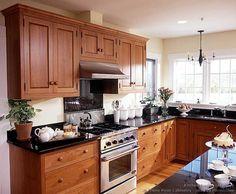 Shaker Kitchen Cabinets #27 (Crown-Point.com, Kitchen-Design-Ideas.org)