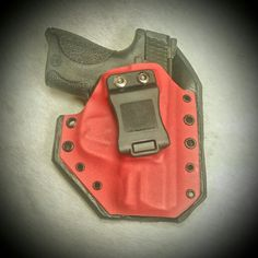 Smith and Wesson M&P Shield 40 in a Leatherback Hybrid Holster from WW Tactical Systems.  wwtacticalsystems.com