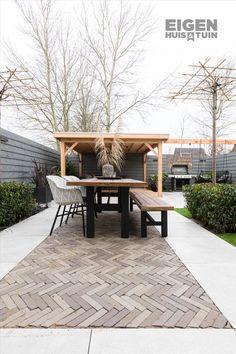 - Eigen Huis en Tuin From large sandbox to cozy and mod Backyard Seating, Backyard Garden Design, Patio Design, Backyard Patio, Backyard Landscaping, Outdoor Rooms, Outdoor Gardens, Outdoor Living, Outdoor Decor
