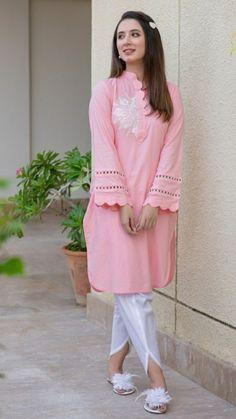 Beautiful Pakistani Dresses, Pakistani Dresses Casual, Casual Dresses, Fancy Dress Design, Stylish Dress Designs, Pakistani Fashion Party Wear, Indian Fashion Dresses, Muslim Fashion, Traje Casual