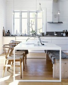 Stylish Classic Dining Room Trends Ideas 2019 - Dining Room Best Home Design Classic Dining Room, Minimalist Dining Room, Minimalist Kitchen, Minimalist Interior, Minimalist Decor, Minimalist Design, Modern Design, Minimalist House, Minimalist Style