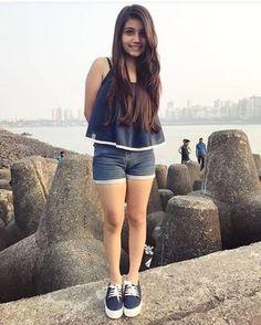 Indian Beautiful Girls - Online Information 24 Hours Little Girl Models, Cute Little Girl Dresses, Beautiful Little Girls, Beautiful Girl Photo, Beautiful Wife, Beautiful Stories, Stylish Girls Photos, Stylish Girl Pic, Preteen Girls Fashion