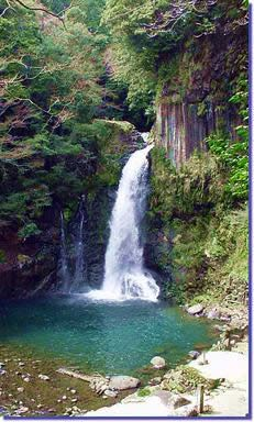 Nanadaru Seven Waterfalls in Izu