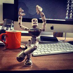 """""""Lalalairá  #agencia #mooca #office #toy #happy #monday"""""""