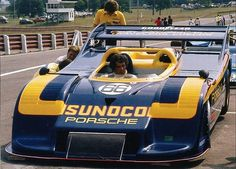 and then came the to spoil everyone else's fun! Sports Car Racing, Sport Cars, Auto Racing, Brian Redman, F1 Motor, Mid Ohio, Porsche Motorsport, Classic Race Cars, Car Racer