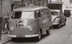 VW T1 Transporter, VW Kever (NV-29-94), Zandstraat Amsterdam