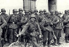 The history of the Waffen-SS written by an expert on the SS organization and the German Army in WWII. German Soldiers Ww2, German Army, Prinz Eugen, Germany Ww2, German Uniforms, Ww2 Photos, Historical Pictures, War Machine, Military History