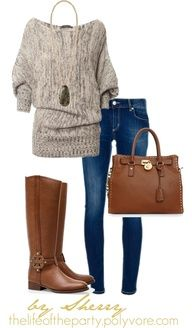 Love this comfy ensemble- cosy sweater, comfy jeans and some boots- great fall outfit!!