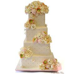 Dahlias & Hydrangeas Wedding Cake » Wedding Cakes