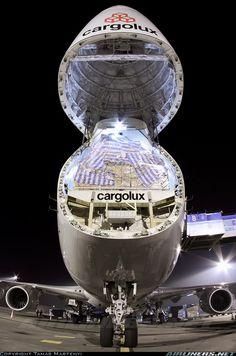 Cargolux Boeing 747-8R7F/SCD open nose cone  .#jorgenca