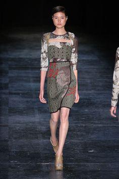 Fernanda Yamamoto. Fall/Winter 2012. Love this dress!