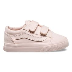 Shop bestselling Baby's Shoes at Vans including Infant Slip Ons, Authentics, Low Top, High Top Shoes & More. Shop Baby Shoes at Vans today! Kids Clothing Rack, Kids Clothing Brands, Cheap Kids Clothes, Clothing Stores, Boys New Fashion, Baby Boy Fashion, Toddler Fashion, Fall Fashion, Fashion Trends