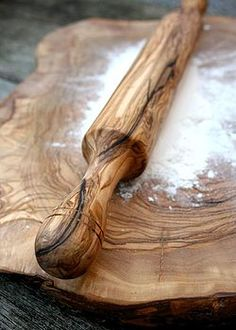 olive wood - rolling pin and kneading board